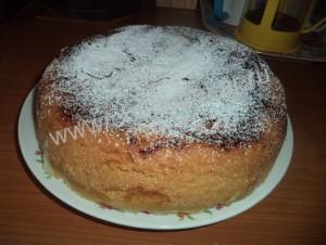 приготовить пирог шарлотка с яблоками в мультиварке