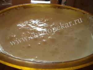 Добавляем какао в тесто и перемешиваем.