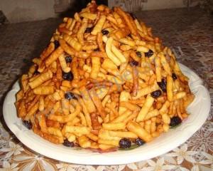 Чак-Чак - татарское блюдо.