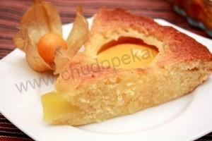 Пирог с консервированными персиками.