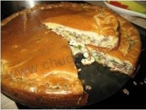 Пирог с капустой и мясом.