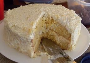 Банановый торт-суфле готов.